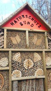 Naturschutzbund Insektenhotels Foto: wildbienen